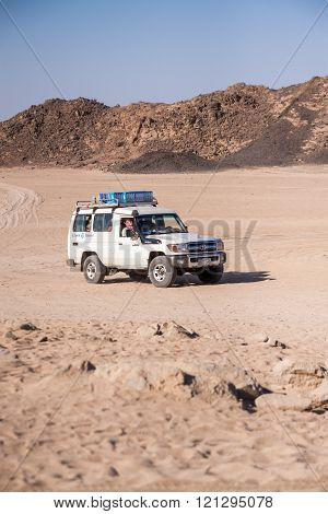 Trip with Toyota 4x4 in the desert near Hurghada