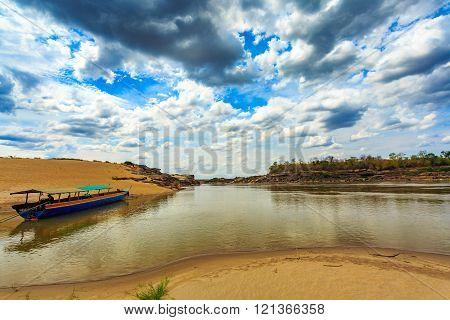 Boat on khong river sam pan bok at ubonratchathani