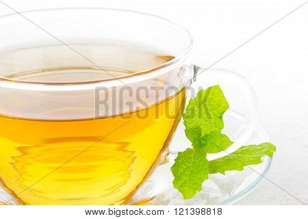 Teapot with mint