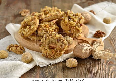 Whole wheat cookies with walnuts, homemade