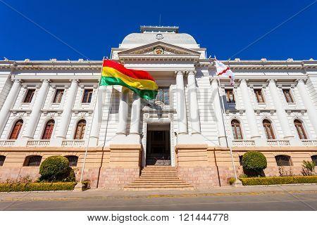 Supreme Court, Sucre