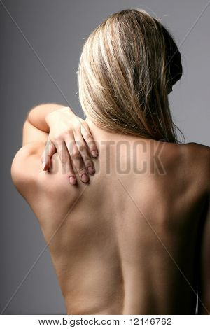 a back of a woman
