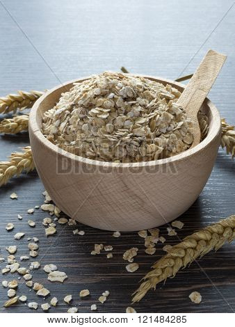 A bowl of oatmeal flakes