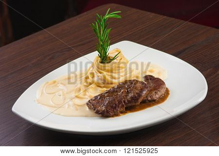 Fillet Mignon With Pasta