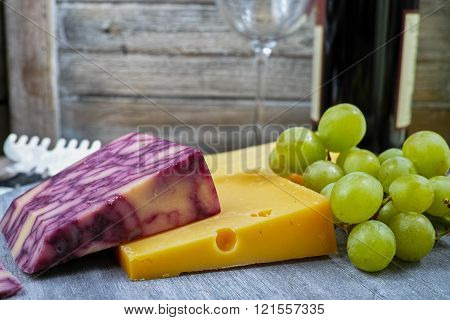 Mixed Cheese, Marble Cheddar, Green Grape And Wine