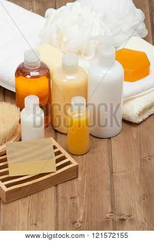 Spa Kit. Shampoo, Soap Bar And Liquid. Shower Gel. Towels. Woode