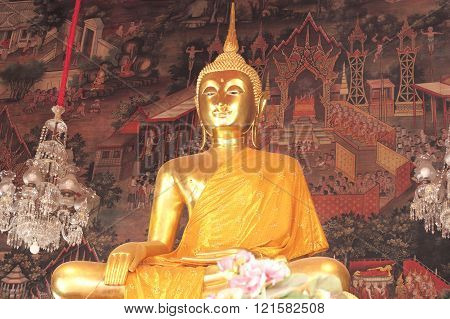 Bangkok- Thailand : March 4, 2016  Gold Buddha statues at Wat Arun, vintage style