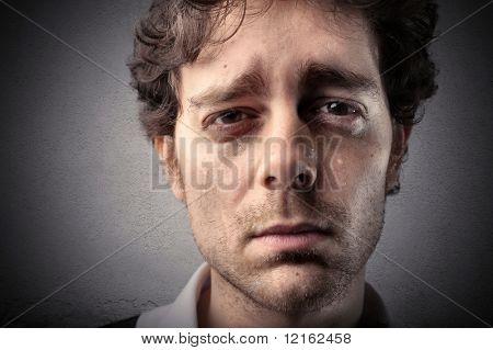 Ein Mann weint