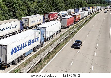 Operation Stack, lorries queue on kent motorway