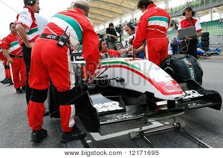 Sepang, MALAYSIA - 23 November: Team Italy at the starting grid at the World A1 GP championship races held in Malaysia. 23 November 2008 in Sepang International Circuit Malaysia.