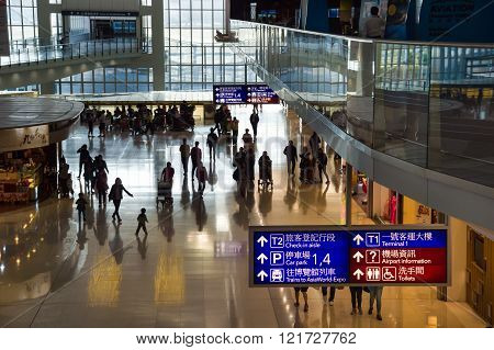 Hong Kong, China, 28Th February 2015. Passengers Walking In Hong-kong Chek Lap Kok Airport.