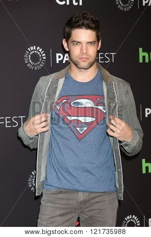 LOS ANGELES - MAR 13:  Jeremy Jordan at the PaleyFest Los Angeles - Supergirl at the Dolby Theater on March 13, 2016 in Los Angeles, CA