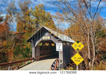 Covered bridge in Vermont in Autumn