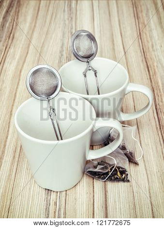 Ceramic Cups With Tea Strainers And Tea Bags