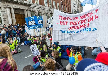 Thousands Junior Doctors Protest In London