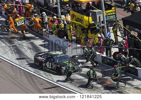 Avondale, AZ - Mar 13, 2016: Kurt Busch (41) makes a pit stop during the Good Sam 500(k) at the Phoenix International Raceway in Avondale, AZ.