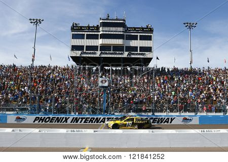 Avondale, AZ - Mar 13, 2016: Kevin Harvick (4) wins the Good Sam 500(k) at the Phoenix International Raceway in Avondale, AZ.