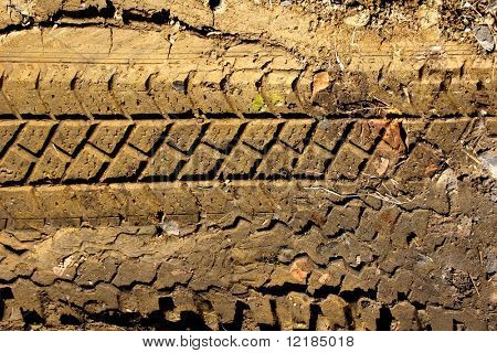 tyre tread pattern in mud