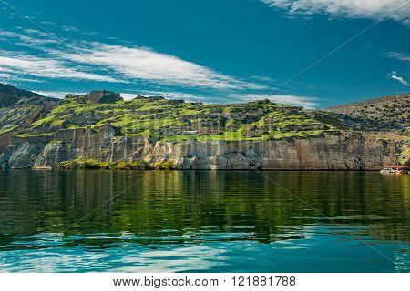Euphrates River and Rumkale fortress close to Halfeti, Antep Turkey