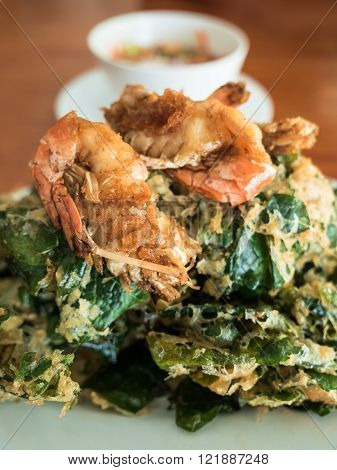 Soft focus of fried shrimp with vegetable fritters crisp.