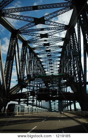 Empty Harbour Bridge