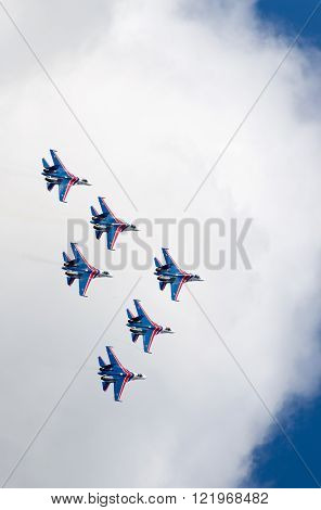 Shows demonstration flight at MAKS 2015.