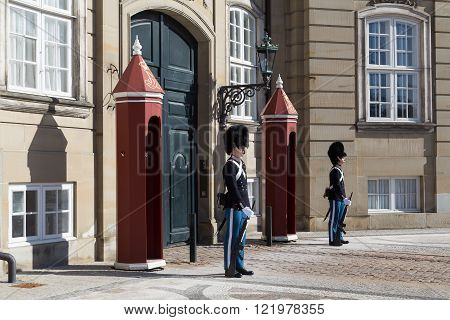 Guards at Amalienborg palace in Copenhagen