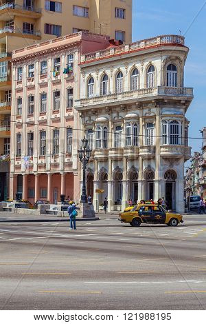 Havana, Cuba - April 1, 2012: Vintage House At Start Of Paseo Del Prado