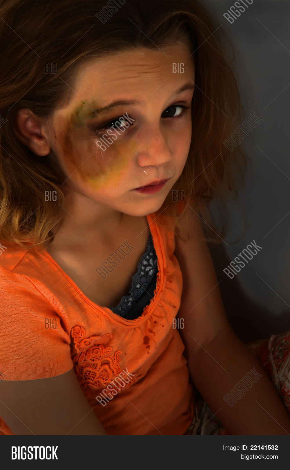 little girl abuse photo