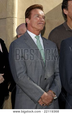 LOS ANGELES - DEC 18: Arnold Schwarzenegger at a ceremony as James Cameron receives a star on the Hollywood Walk of Fame in Los Angeles, California on December 18, 2009