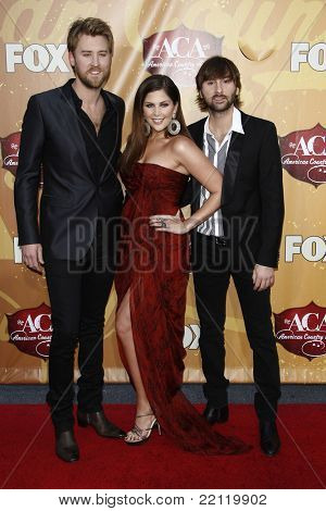 LAS VEGAS - DEC 6: Hillary Scott, Dave Haywood, Charles Kelley at the 2010 American Country Awards held at the MGM Garden Arena in Las Vegas, Nevada on December 6, 2010