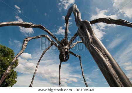 Maman Sculpture