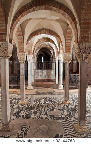 Crypt of St. Savino Basilica. Piacenza. Emilia-Romagna. Italy.