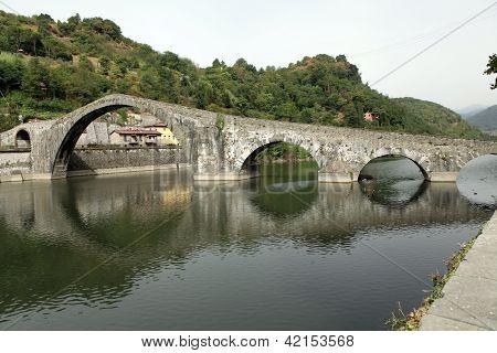 Ponte della Maddalena across the Serchio.