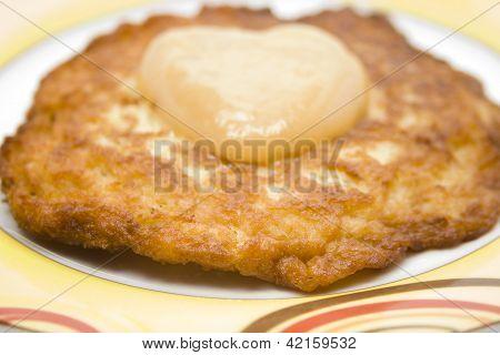Fresh potato Pancake with Applesauce