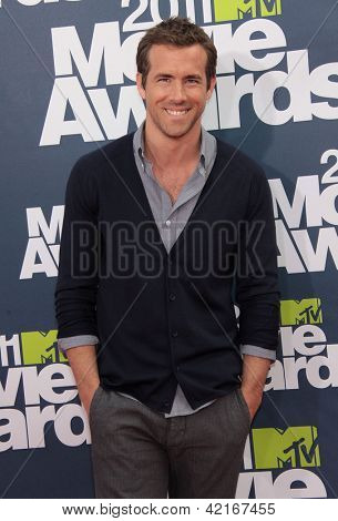 LOS ANGELES - JUN 05:  RYAN REYNOLDS arriving to MTV Movie Awards 2011  on June 05, 2011 in Hollywood, CA