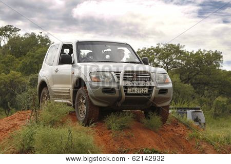 Silver Mitsubishi Pajero Gls V6