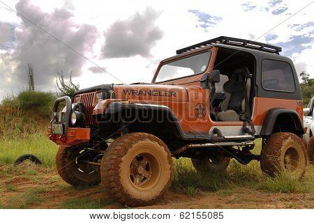Crush Beige Jeep Wrangler Off-roader V8