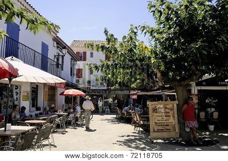 Restaurants In The City Center Of Saintes-maries-de-la-mer