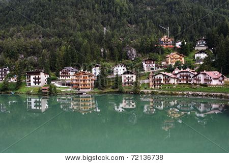 Alleghe Lake Houses