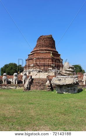Wat Thammikarat At Ayutthaya