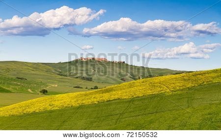 Tuscany landscape between Siena and Asciano, Crete Senesi, Italy
