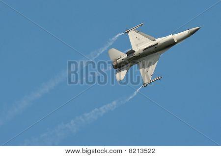 Aerobatic F-16