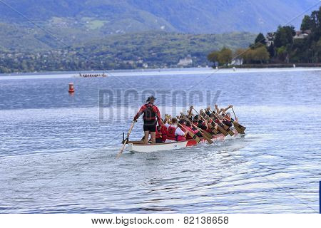 Nice Group Of People Sprawled Kayak On Lac Leman