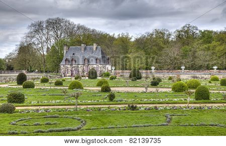 Chancellery From The Diane De Poitiers Garden Of Chenonceau Castle