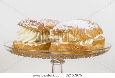 Creamy Almond Buns