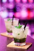 picture of oz  - Mint Julep cocktail made of 3 oz Bourbon whiskey - JPG