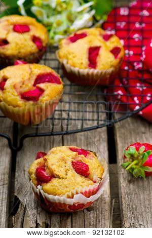 Muffins With Bran And Strawberry