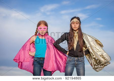 girl power, super heroes or superheroes