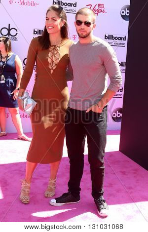 LAS VEGAS - MAY 22:  Kelly Thiebaud, Bryan Craig at the Billboard Music Awards 2016 at the T-Mobile Arena on May 22, 2016 in Las Vegas, NV
